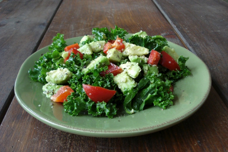 Kale Avocado & Red Pepper Salad