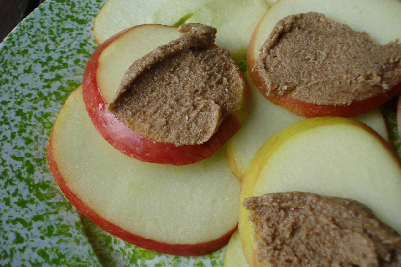 Apple Slices or Banana w/ Nut Butter