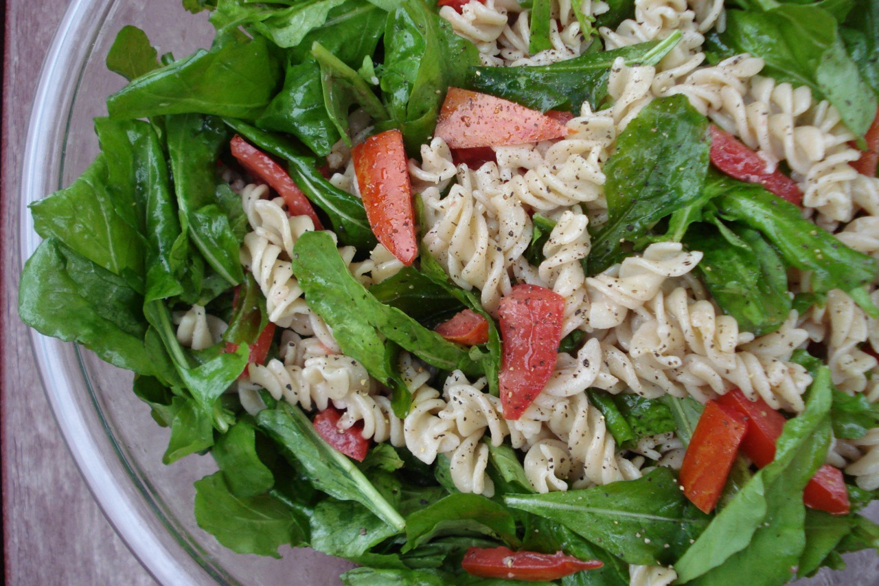 Summer Pasta w/ Raw Arugula & Tomatoes